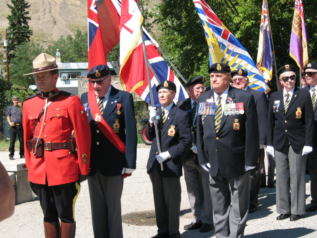 Veterans at Hedley Cenotaph